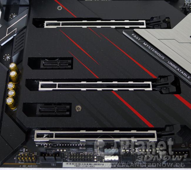 ASRock X570 Phantom Gaming X: Layout